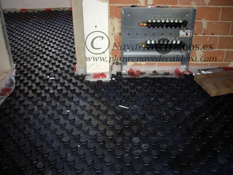 Foto instalaci n de calefacci n por suelo radiante en el - Calefaccion por el suelo ...