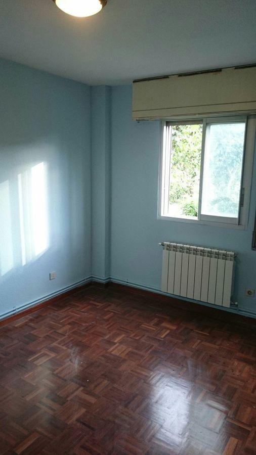 Instalación de calefacción vista y pintura de vivienda