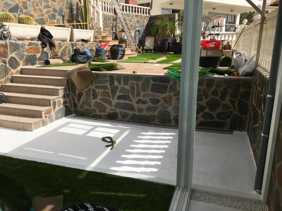 instalacion de cerámica y escalera de granito
