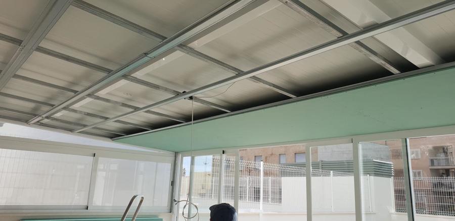 Instalación de falso techo de yeso laminado