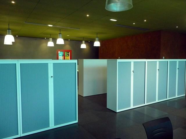 Instalación de mobiliario en nave industrial