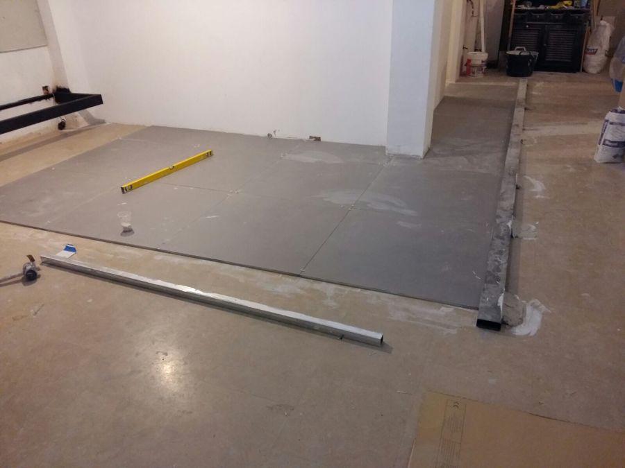Instalación de pavimento.