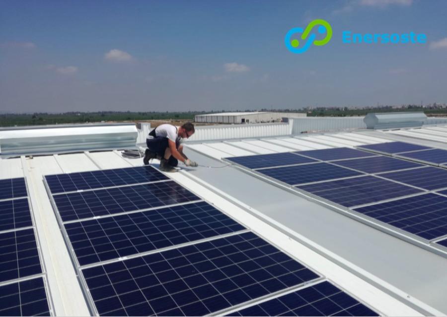 Instalación de placas solares. Enersoste S.L.