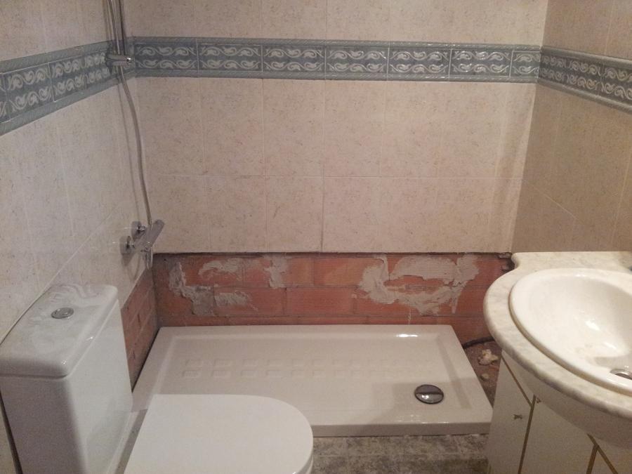 Foto instalaci n de plato de ducha ceramico de mas que for Plato ducha ceramico