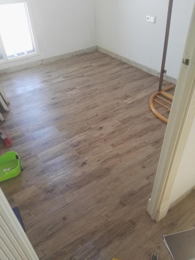 Instalaci n de suelo de vinilo imitaci n madera ideas - Suelo pvc imitacion madera ...