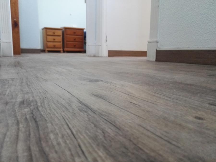 Instalaci n de suelo de vinilo imitaci n madera ideas - Suelo imitacion madera ...