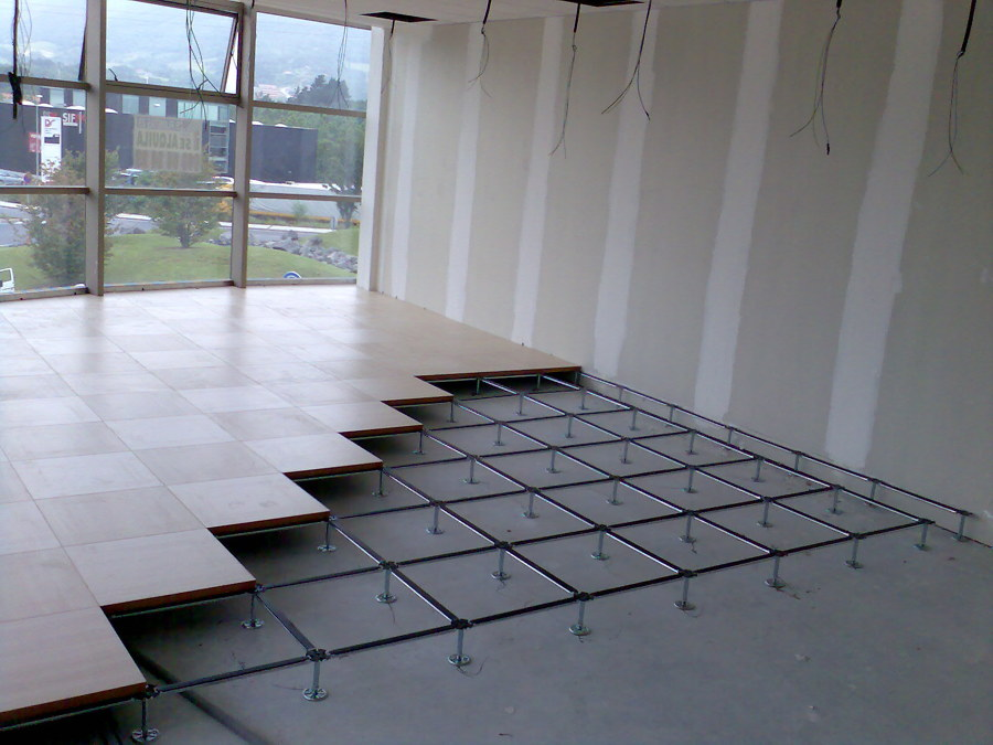 Venta e instalacion de suelo tecnico ideas obra civil for Detalle suelo tecnico