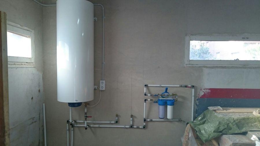 Instalaciones de agua luz y aire acondicionado en terrasa - Termo electrico exterior ...