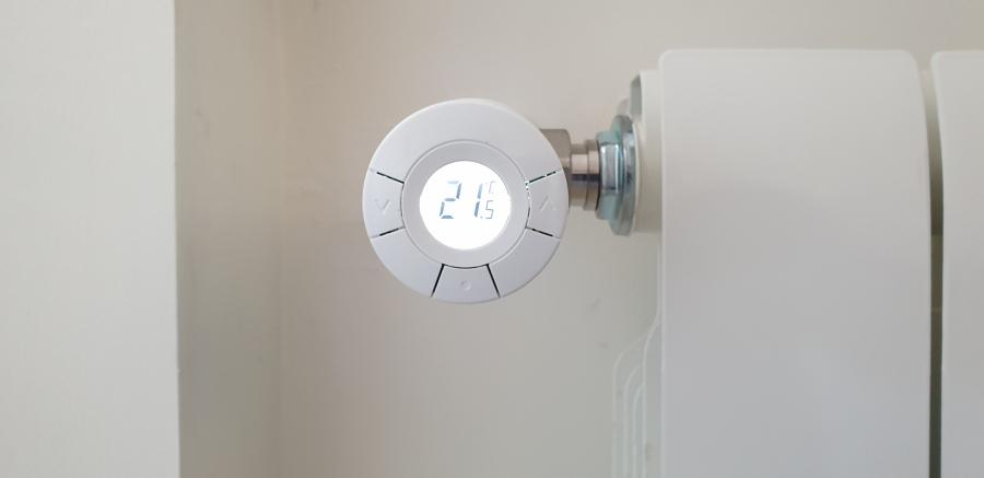 Instalación de válvula termostática en radiador
