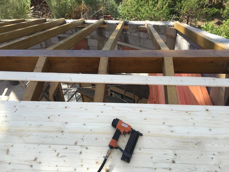 Instalación de vigas de madera