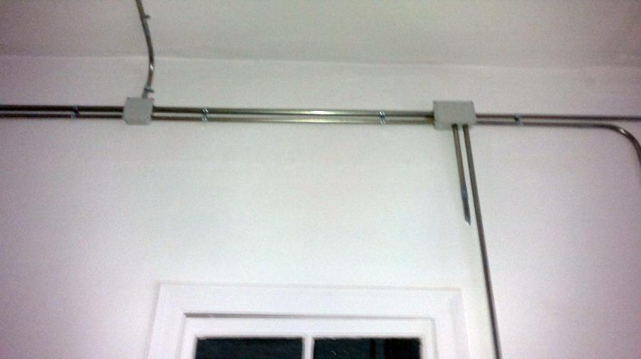 Instalacion electrica en tubo metalico superficie - Instalacion electrica vista ...