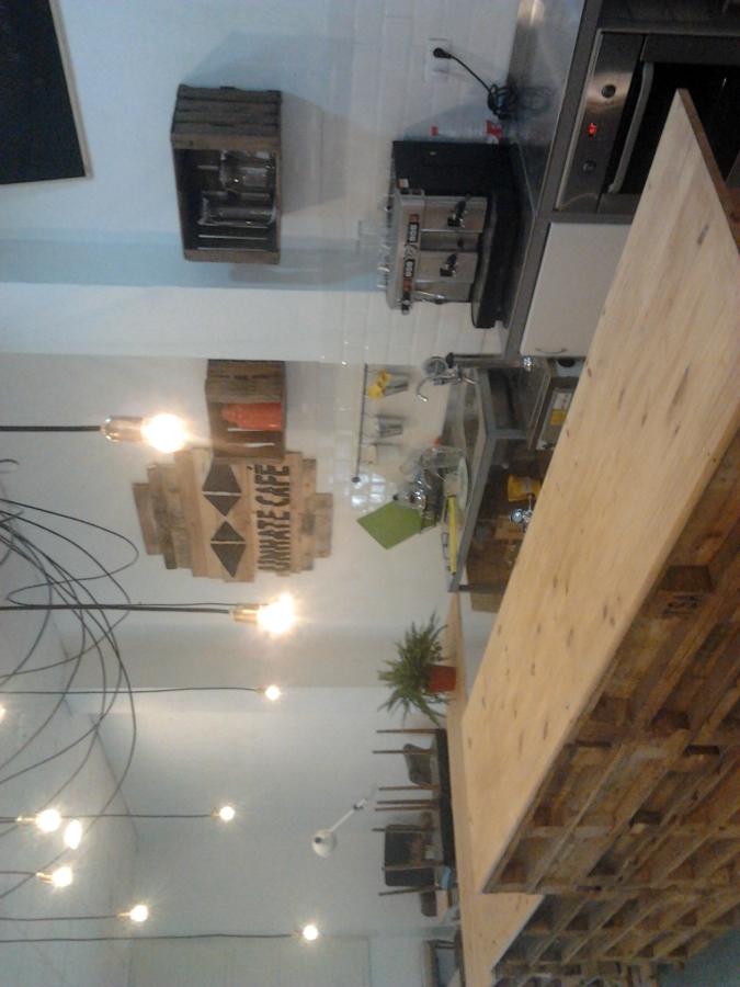 INSTALACIÓN ELÉCTRICA EN UNHATE CAFE