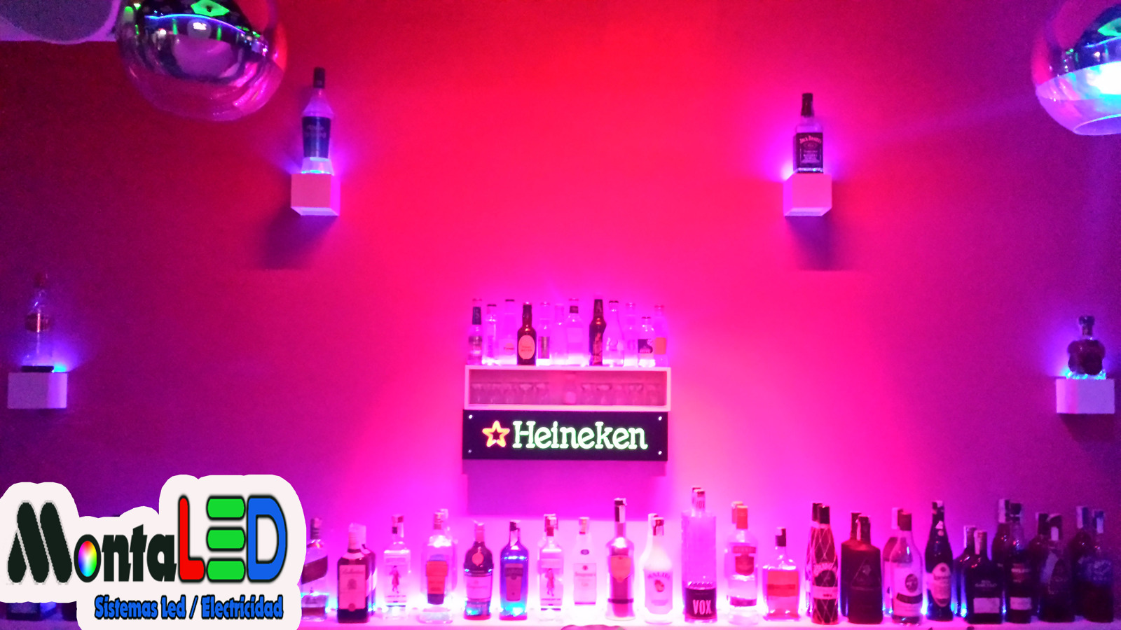 Foto instalaci n led estantes para botellas de montaled - Estanterias para botellas ...