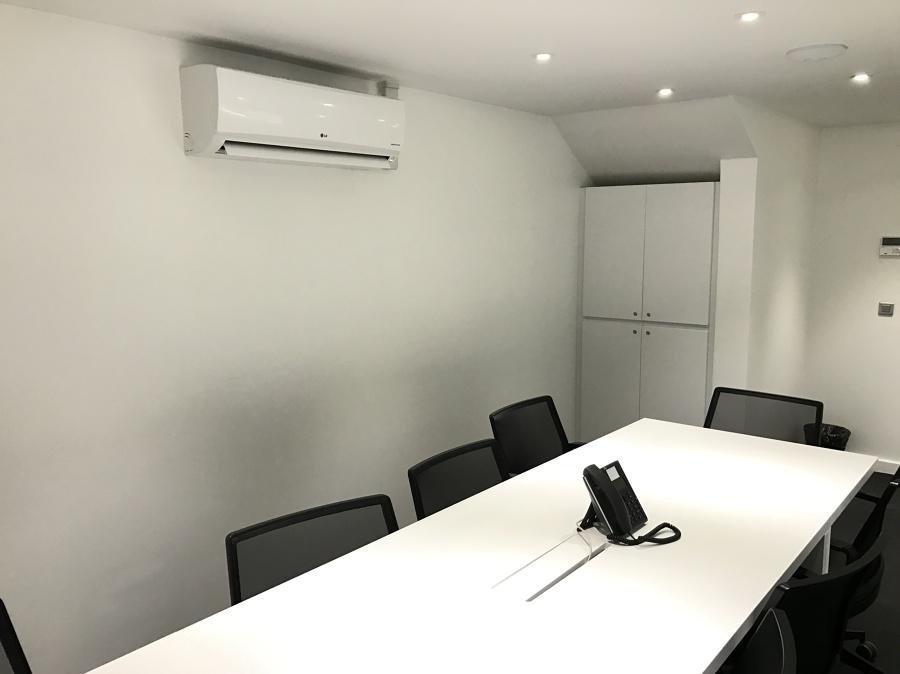 Instalación sistemas de audiovisuales y domotica para oficinas