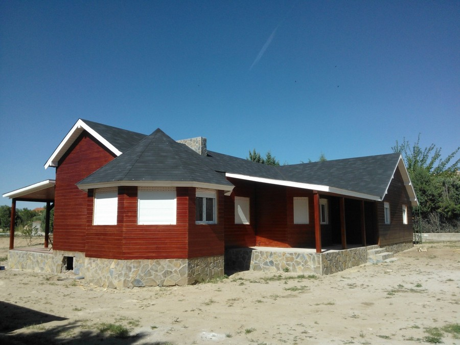 Instalar carpinteria exterior en casa de madera ideas - Carpinteria casas ...