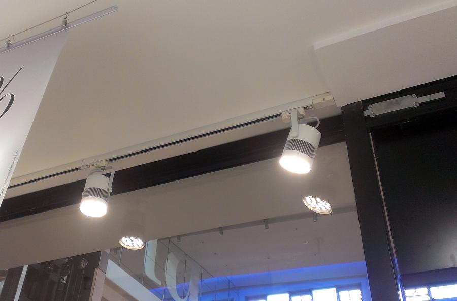 Instalaciones múltiples en locales comerciales 5