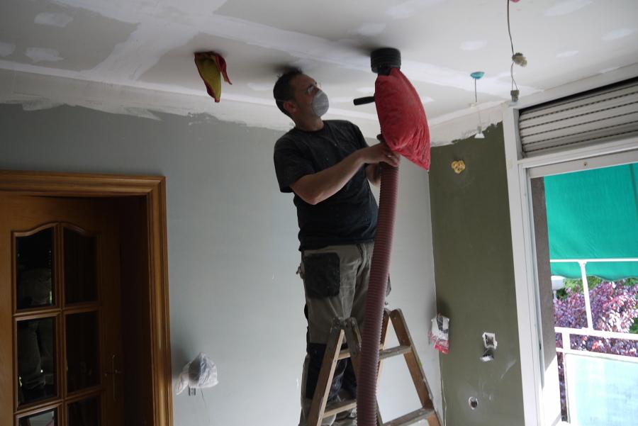 Foto insuflado o inyecci n de aislamiento t rmico for Aislamiento termico en fachadas por el interior
