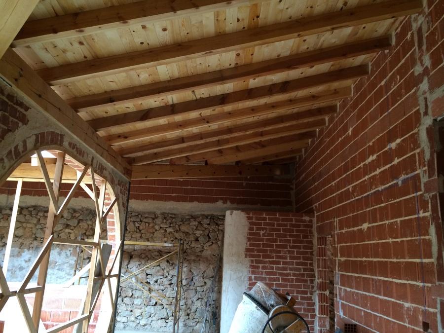 Cubierta de madera maciza ideas tejados for Tejado madera maciza