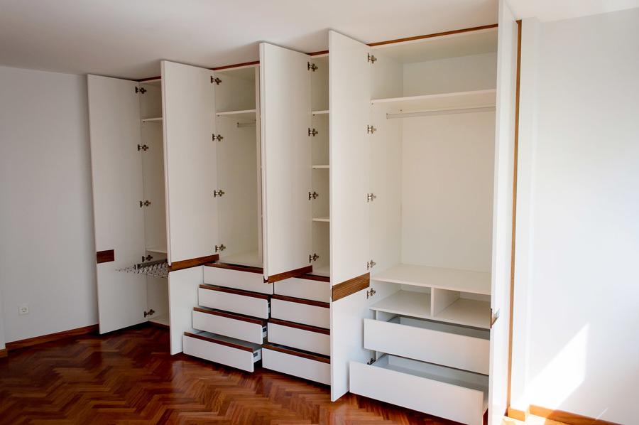 interior armario habitación grande