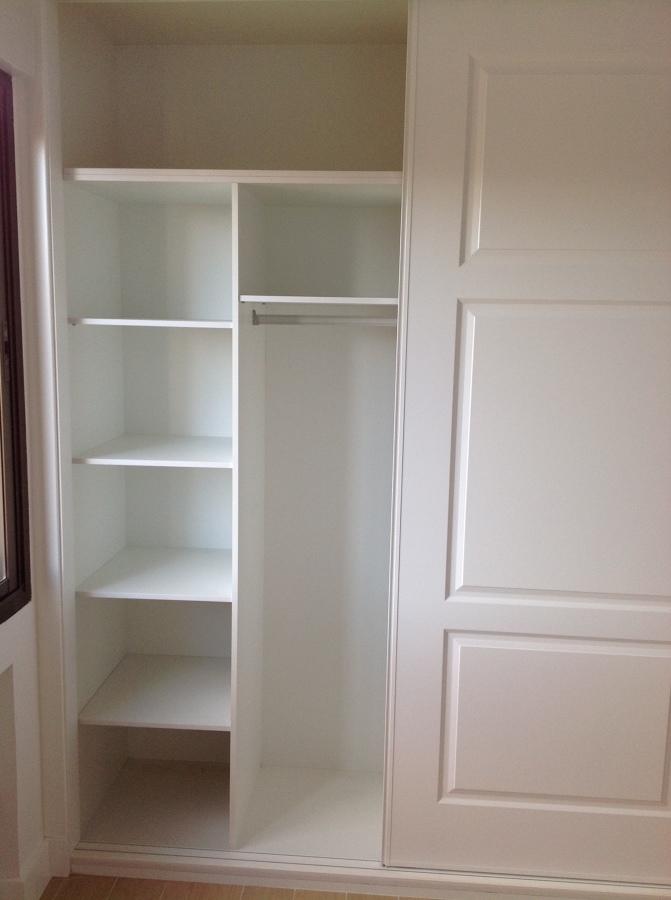 Interior armario lacado blanco