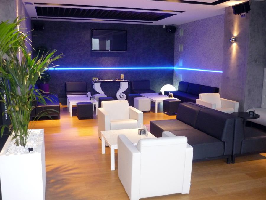 Interior Bar Cafetería Mamut