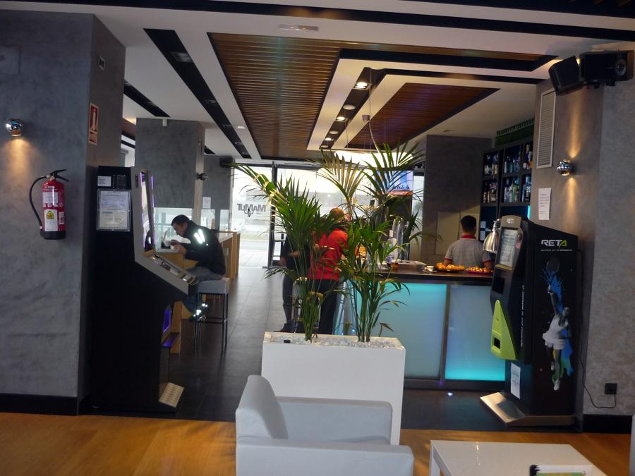 Interior Cafetería Mamut