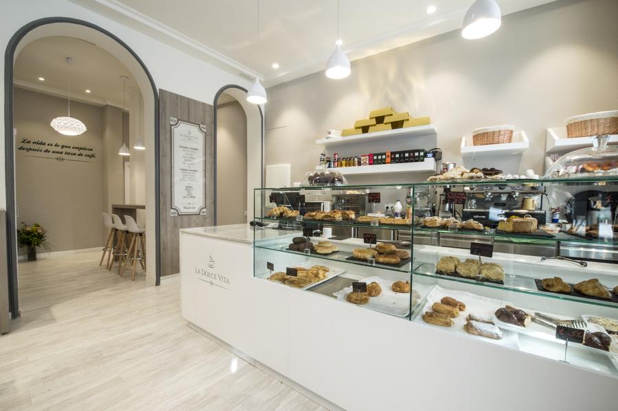 Interior Cafetería/Pastelería La Dolce Vita