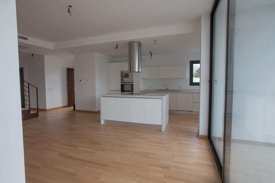 Interior cocina abierta a salón