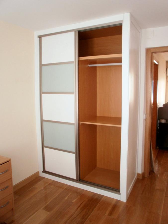 Armario de dise o ideas armarios for Precios de armarios a medida