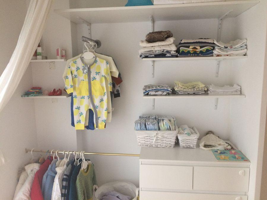 Interior de armario infantil