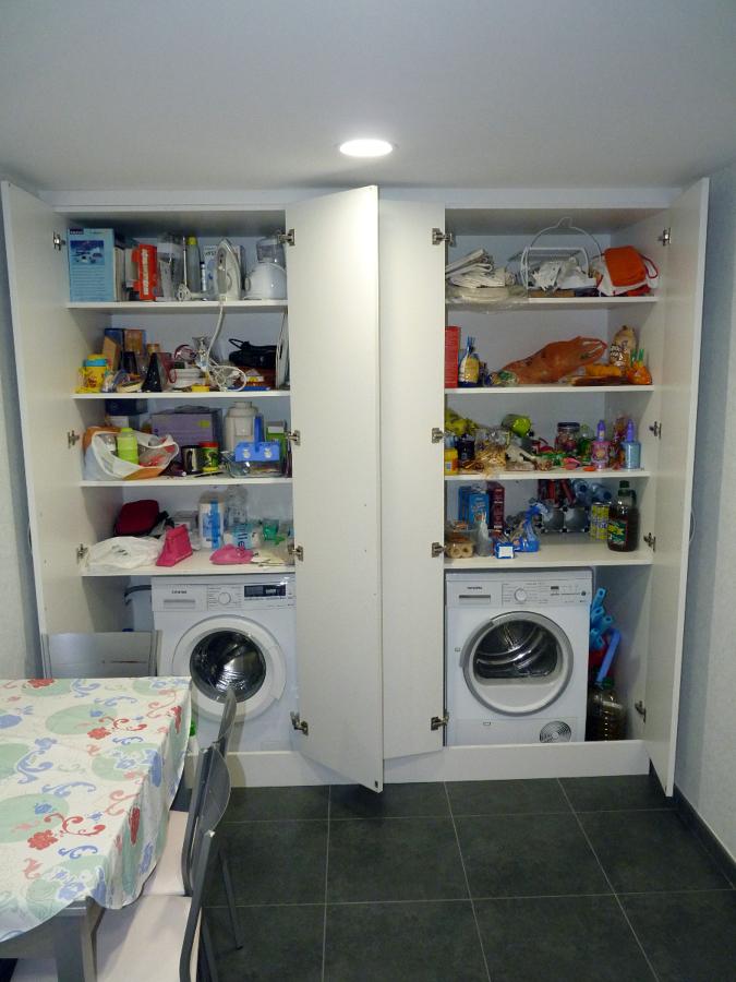 Foto gran capacidad de almacenaje de koa interiorismo - Mueble almacenaje cocina ...