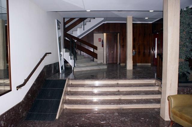 Proyecto eliminaci n barreras arquitect nicas rampa for Portal del interior