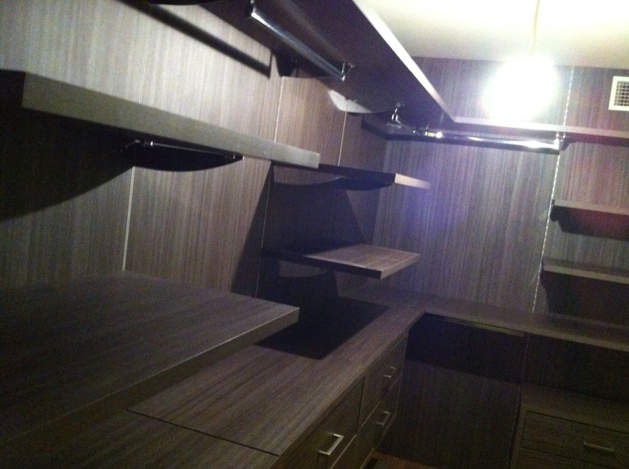Vestidor creado en habitaci n barcelona ideas carpinteros - Carpintero en barcelona ...