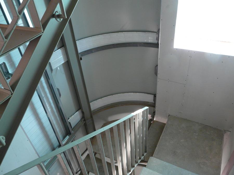 Interior escalera curva