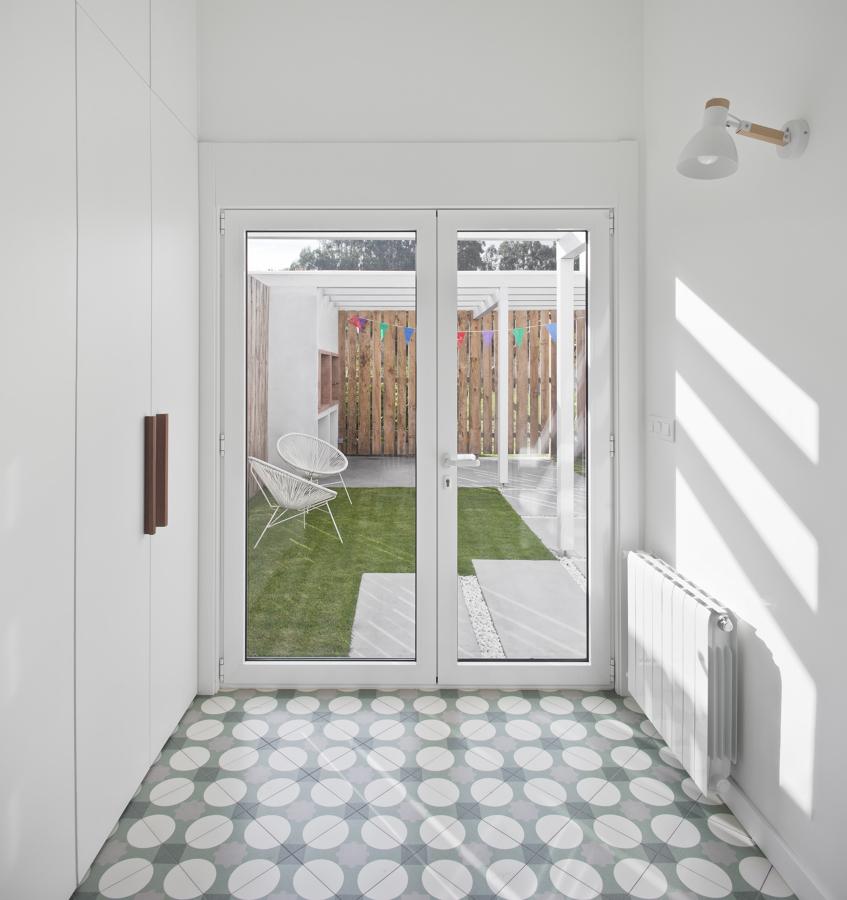 Interior-exterior