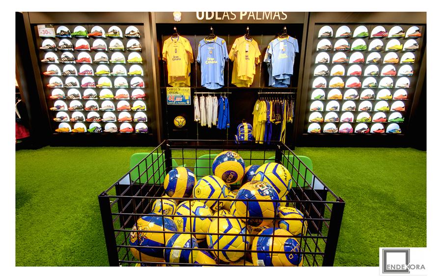 Interior tienda zona fútbol reformada