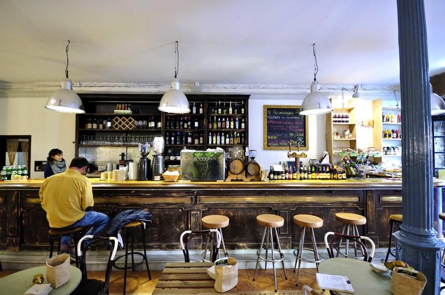 Interiorismo Cafetería. Barra