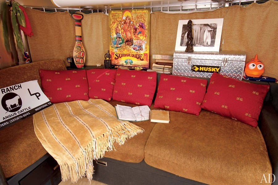 item2.rendition.slideshowHorizontal.matthew-mcconaughey-airstream-03-interior1