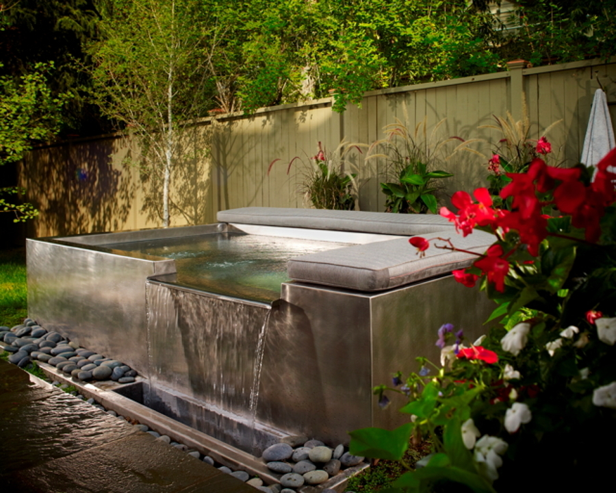 Disfruta del mayor relax con un jacuzzi exterior ideas for Jacuzzi exterior enterrado