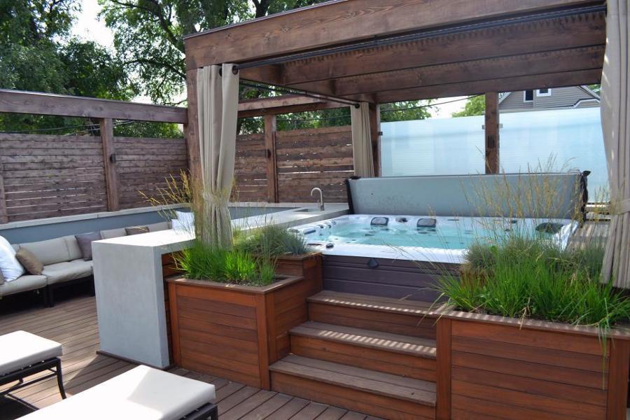 Tipos de jacuzzis para disfrutar de un momento solo para for Jacuzzi jardin segunda mano exterior