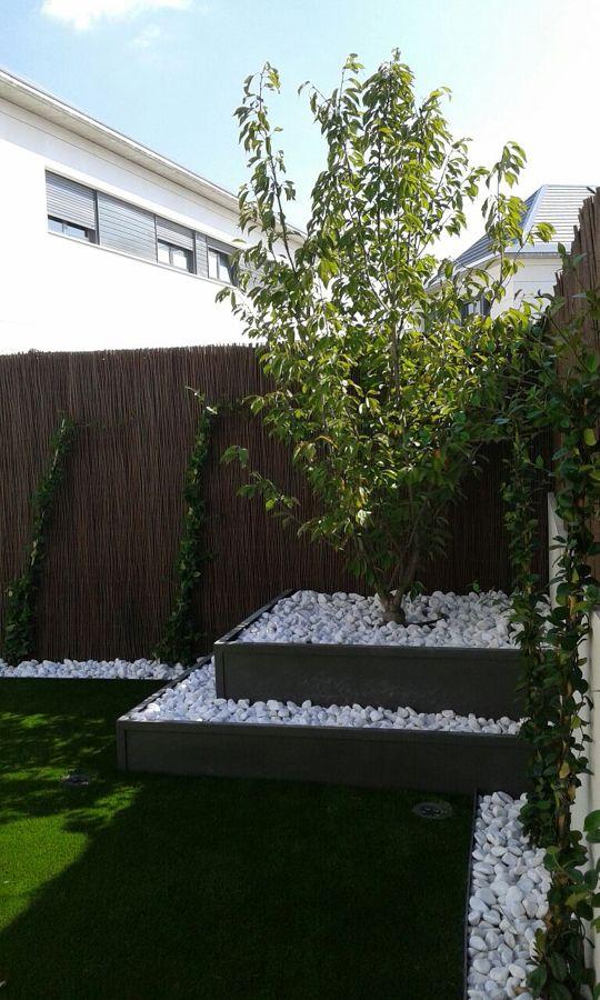 Foto jard n caba a de montecarmelo de cleaninga garden sl for Cabanas de jardin