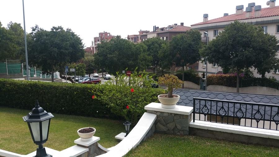 Jardín casa unifamiliar