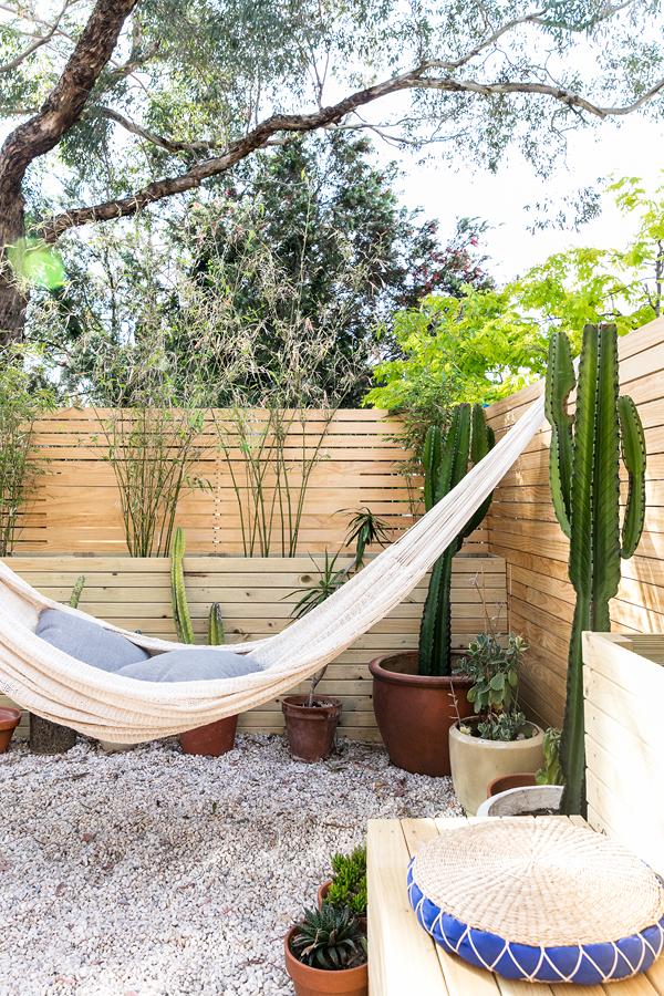 Jardín con hamaca