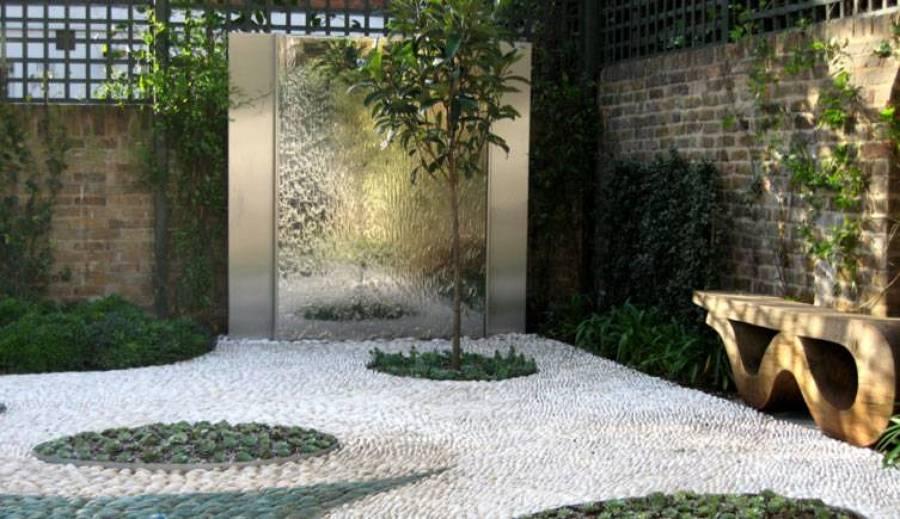 Qu papel juegan las piedras blancas en los jardines - Jardines con madera y piedras ...