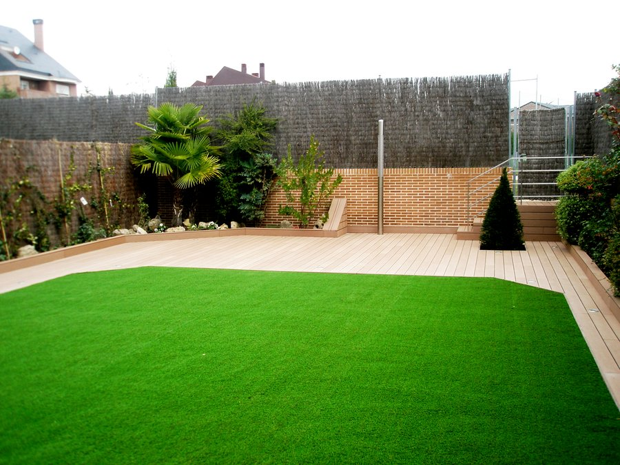 Foto jard n urbanizaci n pinar del plant o de naturtec for Asociacion pinar jardin