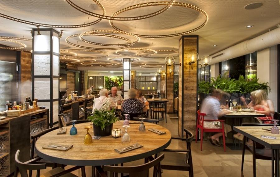 Jard n vertical interior en restaurante noto food people - Restaurante noto marbella ...