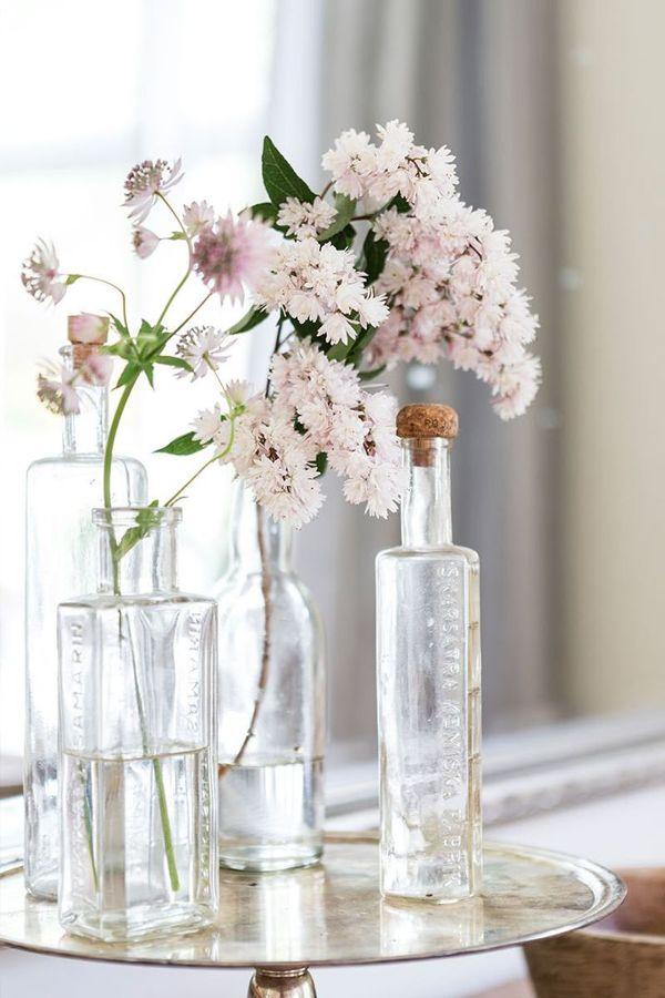 Jarrón con flores silvestres