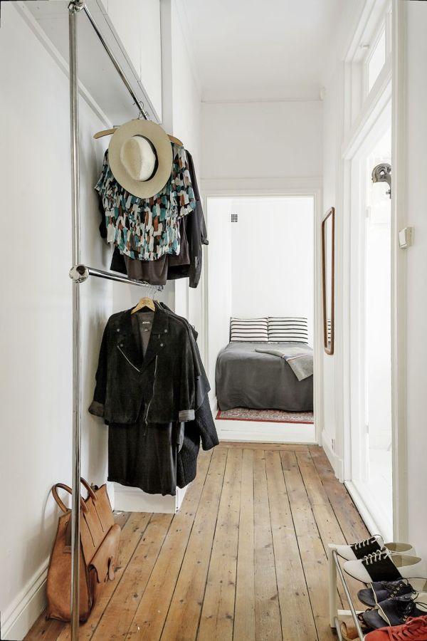 armario en zona de paso