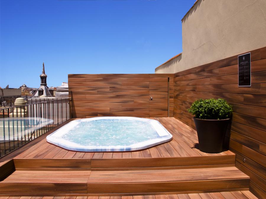 Tipos de jacuzzis para disfrutar de un momento solo para for Dec para terrazas