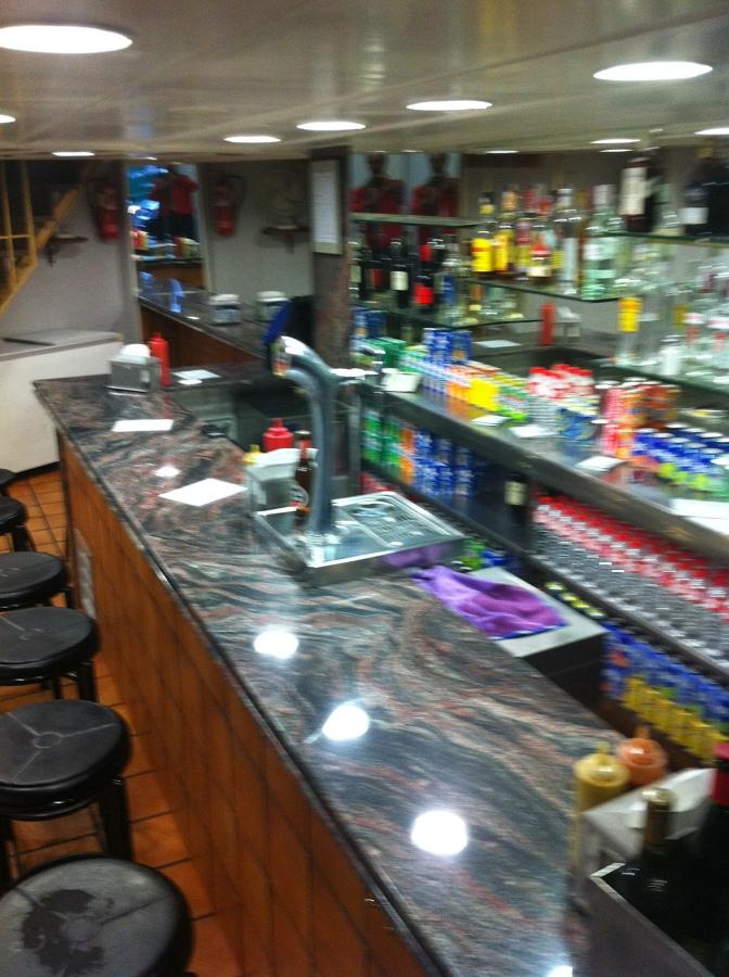 Remodelaci n de bar ideas decoradores - Decoradores de bares ...